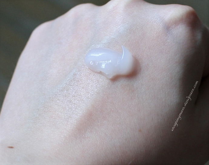 illi aging lotion swatch